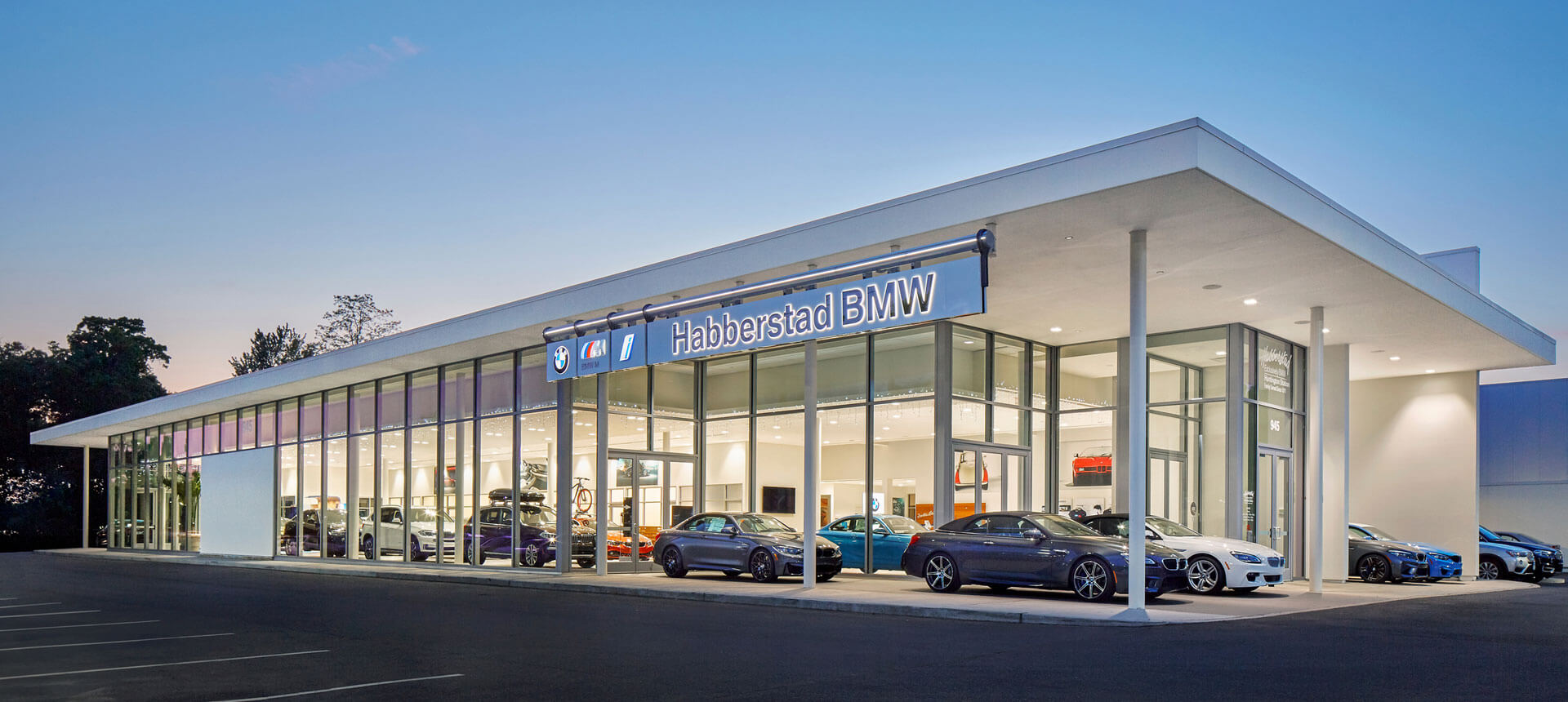 Habberstad BMW Huntington Station, New York Exterior