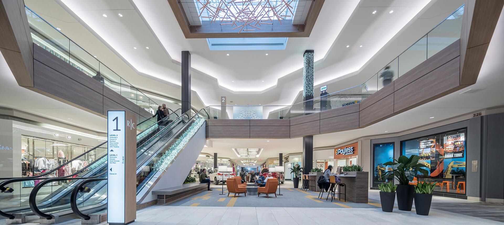 Rosedale Minesota Shopping Mall Lounge